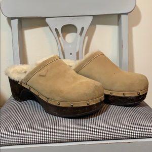 Roxy vintage suede clogs